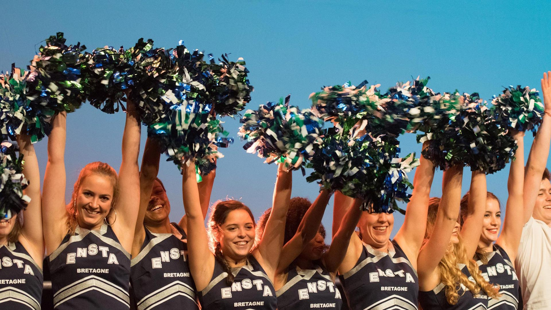 ENSTA Bretagne : pom pom girls - cheerleaders